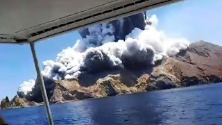 New Zealand volcano: Tourists capture moment of eruption on White Island