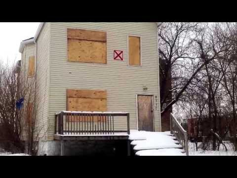 What's the X on vacant buildings in Chicago