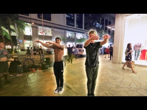 FLIPPING WITH STREET PERFORMERS!