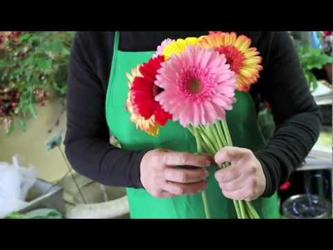 DIY How to make your own wedding bouquet with gerbera daisies