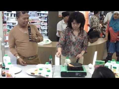 Demo cooking Greens Pancake di Hero Puri indah mall.mp4