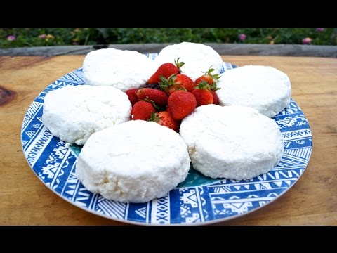 Easy, raw goat cheese