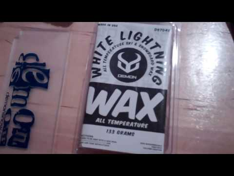How To Wax A Snowboard or Skis ( SUPER EASY! )