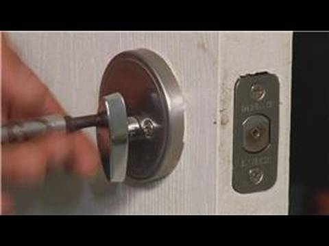 Home Repair & Maintenance : How to Replace a Deadbolt Lock