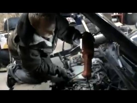 HOW TO EASILY CHANGE BACK THREE SPARK PLUGS GM V6