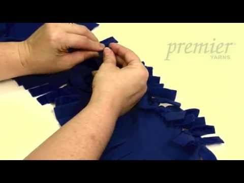 Knot Easy Pillow Tutorial
