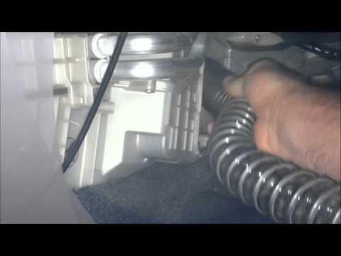 Replacing Cabin Filter in Mazda 3 2011