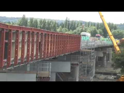 RMD Kwikform's pre-assembled Paraslim system used by Costain on the A34 Wolvercote Viaduct
