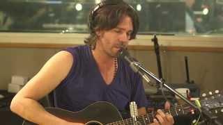 The Longer I Run Peter Bradley Adams feat. Caroline Jones