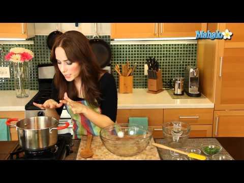How to Make Honey-Glazed Carrots With Raisins
