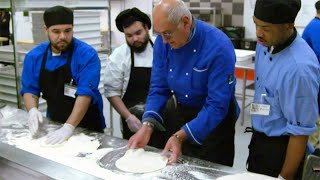 Chef Trains Inmates to Work in Professional Kitchens