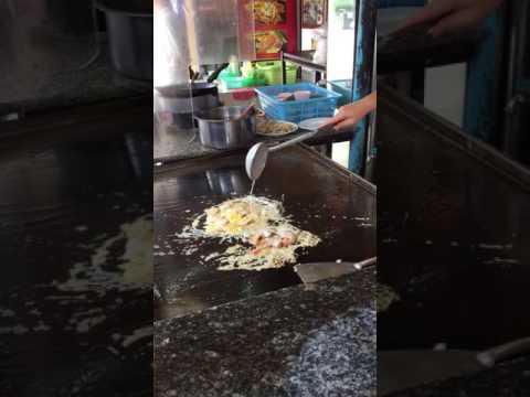 Extra Crispy Oyster Omelette