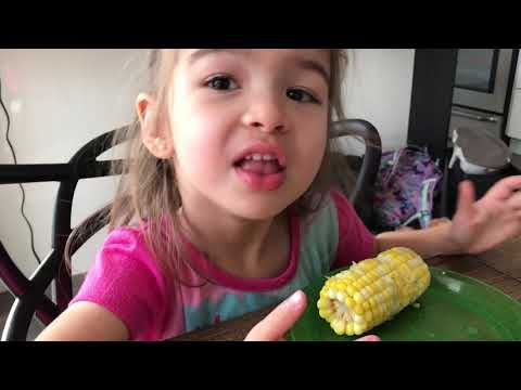 Unicorn 🦄 or Corn 🌽- Yummy 😋Which OneAre We Learning To Eat 😀