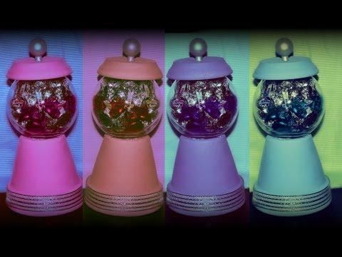 10 DIY Gifts: Gift idea 7 : Candy jar / Fake Bubble Gum Dispenser