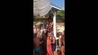Fundi Botes - Nje Pejan duke ber striptiz me nje vajze ne Ulqin