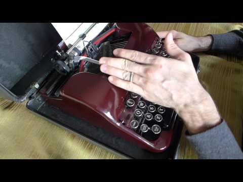 Corona Silent Typewriter Polish Keyboard