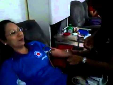 www.CliffordRoa.com Tai Jean Paalam Roa donating blood at the Philippine Red Cross Clifford Roa Capi