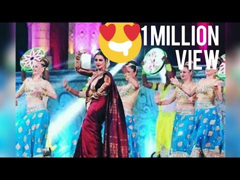 Rekha dancing with vidya balan  in star screen