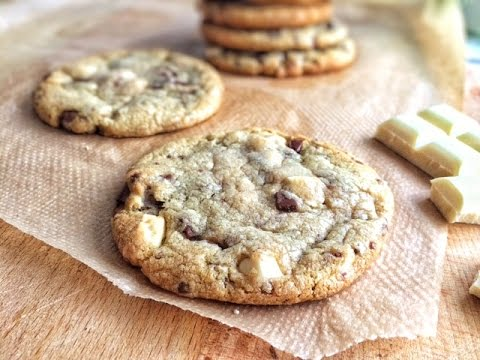 Easy Soft chewy Chocolate Chip Cookies IN 15 MINS (no chill time)