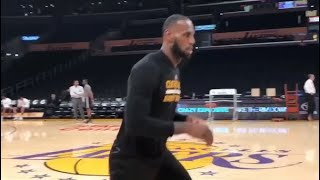 LeBron James CAN'T MISS in Staples Center