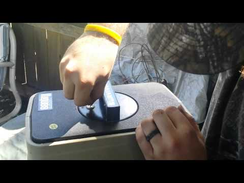 Picking the lock of a sentry safe