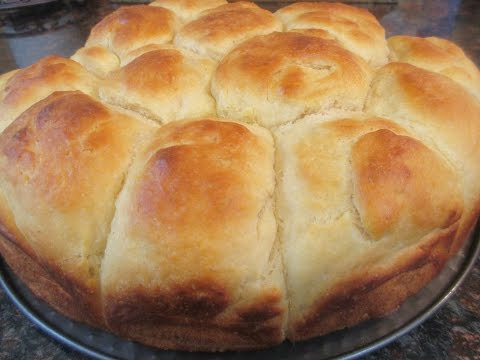 Easy Yeast Dinner Rolls ( No Kneading )
