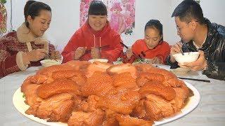 【陕北霞姐】5斤大肘子,陕北农村家常新做法,先煮后炸,女儿说要天天吃!