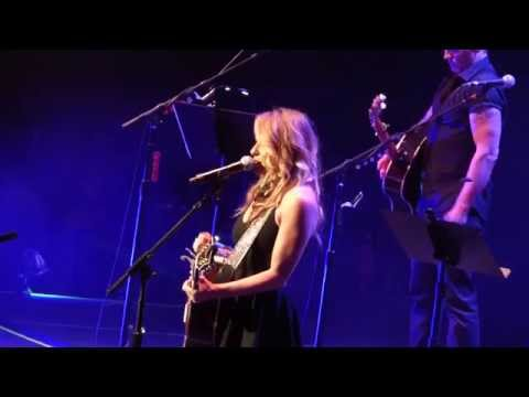 Deana Carter, Strawberry Wine (All for the Hall)
