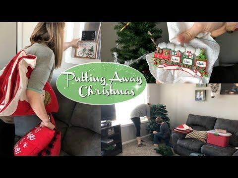 GOODBYE CHRISTMAS :: PUTTING AWAY CHRISTMAS DECOR :: TAKING DOWN OUR TREE
