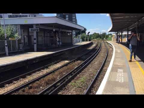 5U94 14:07 London Victoria to Grove Park ECS Class 375 609 & 302 Passing Lewisham