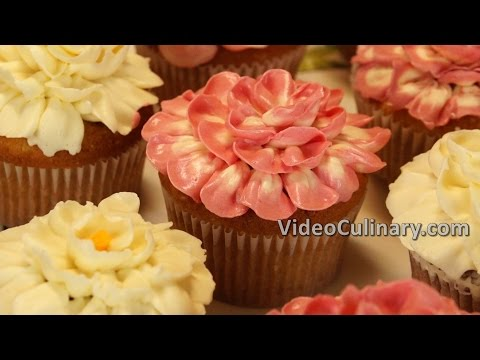 Easy Cupcakes Recipe - Buttercream Flowers & Roses Decoration