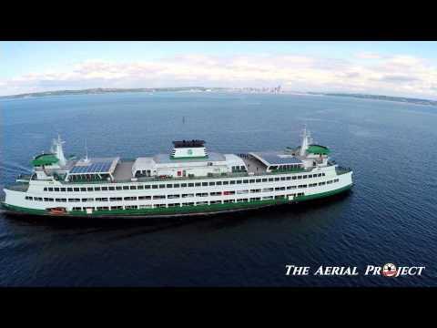 Seattle Ferry leaving Bainbridge Island