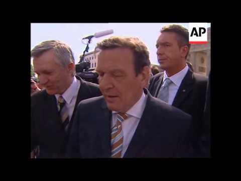 Balloons released at Brandenburg Gate, Schroeder