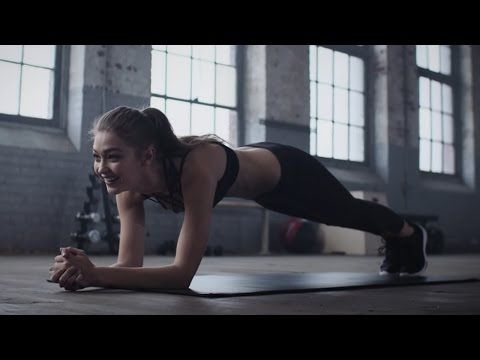 Gigi Hadid Shares BEST Advice While Doing A PLANK Workout