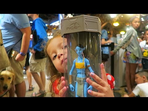 Avatar Maker at Disney Pandora World of Avatar -Toddler Becomes a Navi Action Figure!