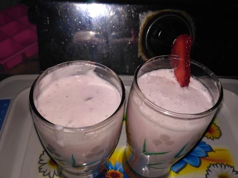 Strawberry Shake Recipe - Very Tasty - In Hindi