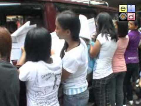 Young voters continue to flock to COMELEC offices to register