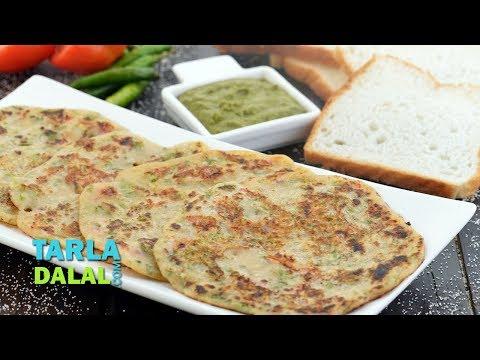 Bread Uttapam Recipe, Instant Breakfast by Tarla Dalal