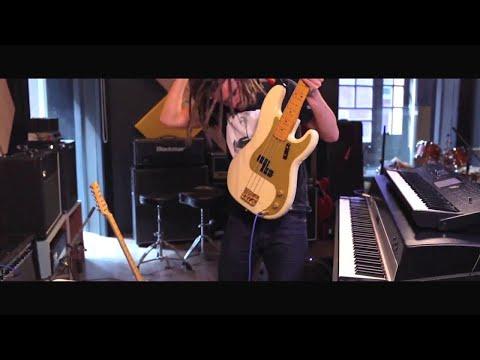 FKJ Live - Improvisation (EM Sessions)