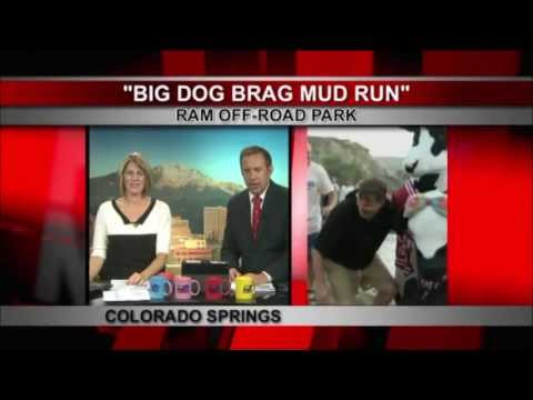 TV news reporter gets dirty on morning television - 8Hr