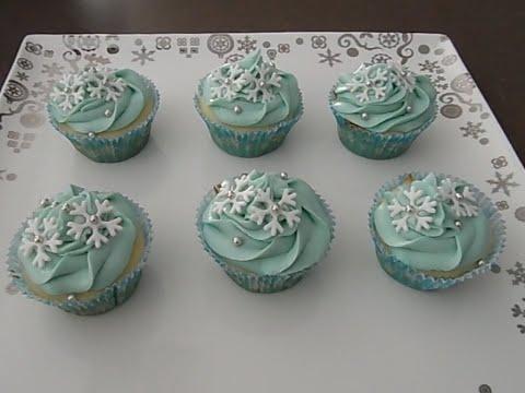 How to Make Easy Snowflake Christmas Cupcakes!!   Rebecca Ashworth