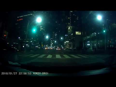 Idiot driver runs red light on University Ave Toronto