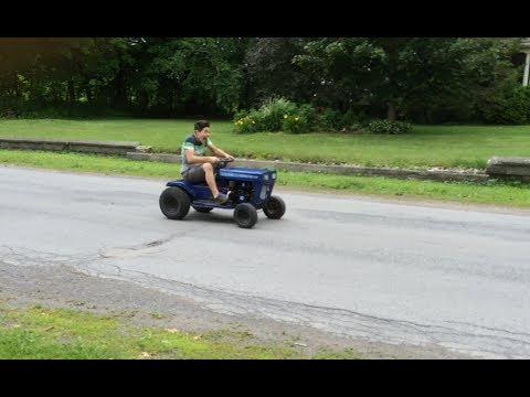 Homemade 7hp Racing Lawn mower / Go Kart raw video