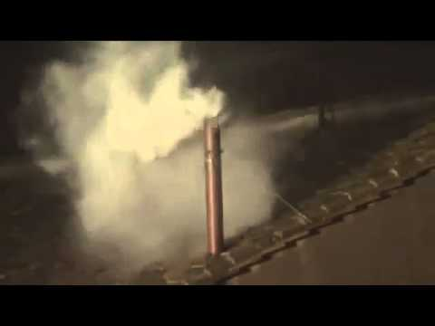 New Pope elected ( Pope Francis) (WHITE SMOKE) - March 13 2013