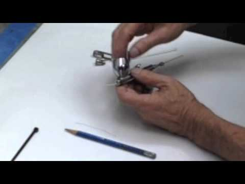 How To Airbrush - Airbrush Beginners Tip - Cleaning Airbrush