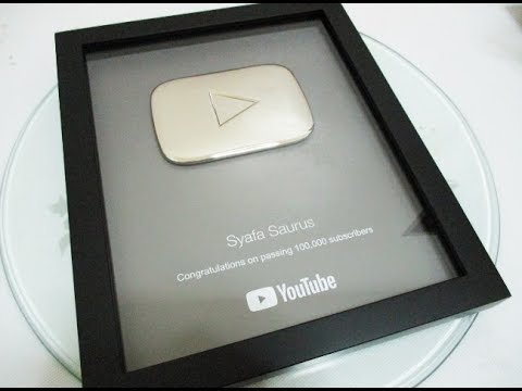 YOUTUBE SILVER PLAY BUTTON UNBOXING!! ❤