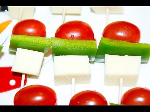 Christmas Appetizers: Mini Veggie & Cheese Skewers!