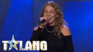Coolest girl performing a self-written rap in Sweden's Got Talent - Talang 2017