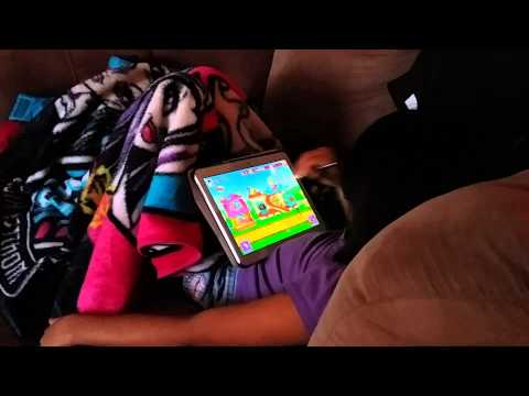 How my Girl uses the Galaxy Note 10.1 2014 to Play