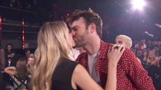 """The Chainsmokers + Halsey Acceptance Speech """"Closer"""" Best Dance Song   iHeartRadio Music Awards 2017"""